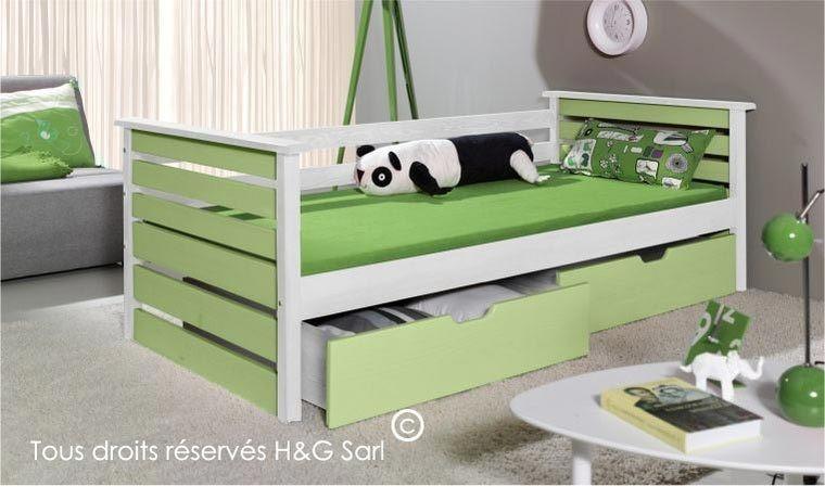 Lit enfant en bois vert et blanc avec tiroirs