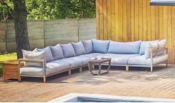 Grand canapé de jardin haut de gamme