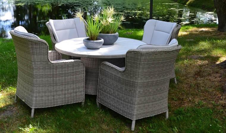 table de jardin ronde en r sine tress e grise 4 places haut de gamme. Black Bedroom Furniture Sets. Home Design Ideas