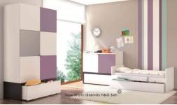 Mobilier pour chambre bébé en bois blanc et violet