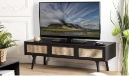 meuble tv noir et rotin