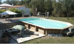 Grande piscine octogonale