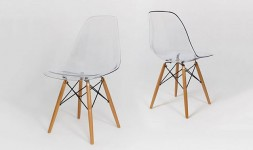 Chaise transparente polycarbonate pieds en bois