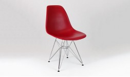chaise rouge cerise