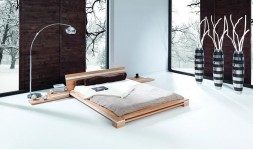 Lit bas design en bois massif
