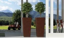 Pot de fleur design en polyéthylène coloré et brillant Kiam