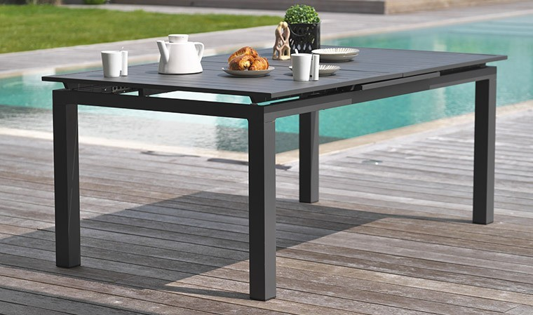 Table de jardin rallonge automatique en alu anthracite 180 / 240 cm