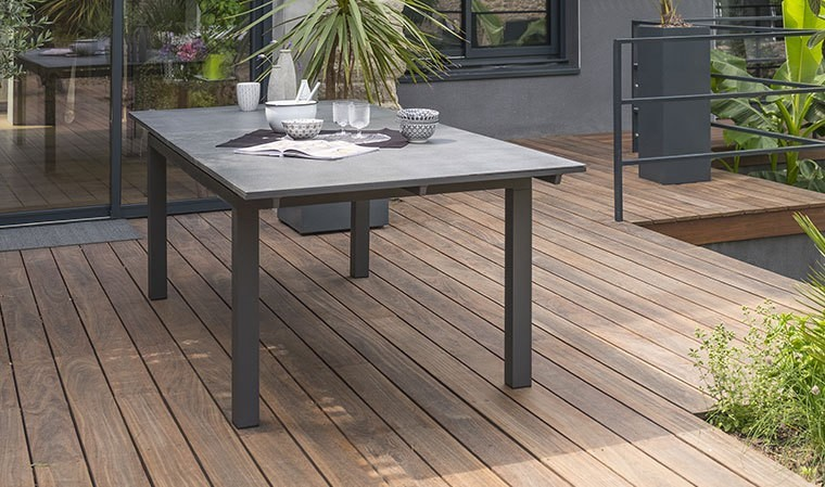 table de jardin en verre finition granit et alu miami spraystone. Black Bedroom Furniture Sets. Home Design Ideas