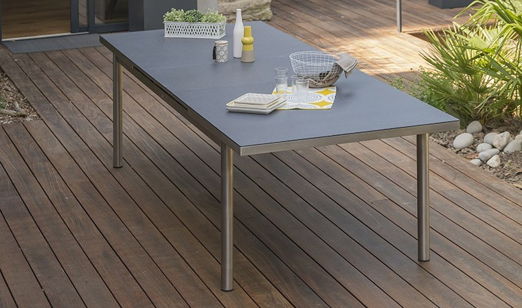 Table de jardin extensible en inox et verre granit - 240/300 cm