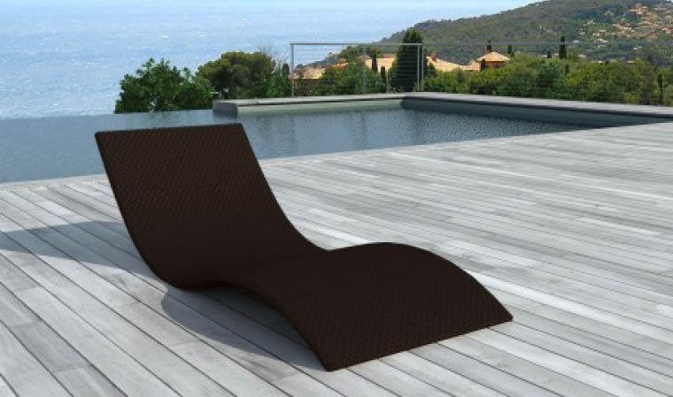 Bain de soleil design en rsine tresse sytnhtique marron for Chaises longues de piscine