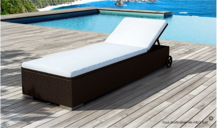 bain de soleil design en rsine tress marron avec matelas rembourr. Black Bedroom Furniture Sets. Home Design Ideas