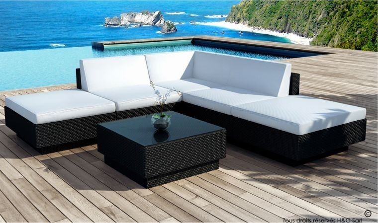 salon de jardin design en r sine tress e coussins noirs. Black Bedroom Furniture Sets. Home Design Ideas