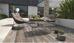 Salon bas de jardin moderne