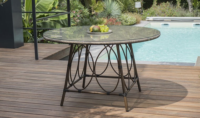 table de jardin ronde en aluminium marron et textile lin ushuaia. Black Bedroom Furniture Sets. Home Design Ideas