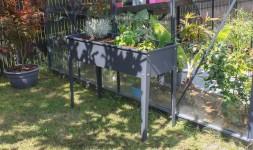 jardiniere en acier cipollina