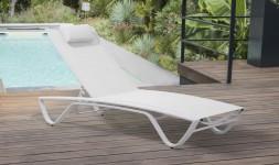 chaise longue blanche