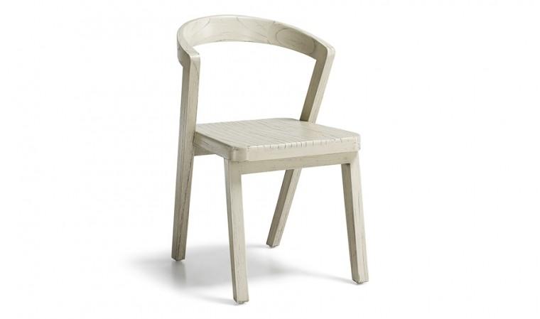 Chaise bois finition rustique