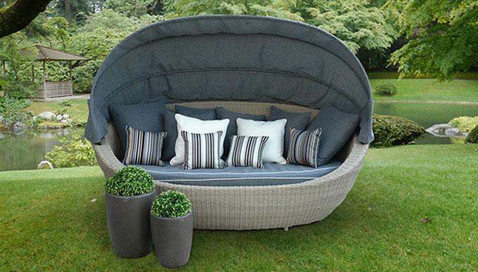 Canapé de jardin avec auvent