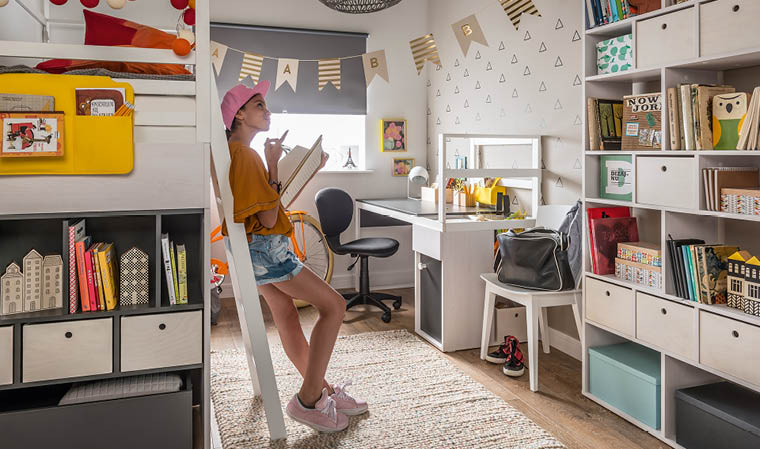 bureau moderne pour chambre ado
